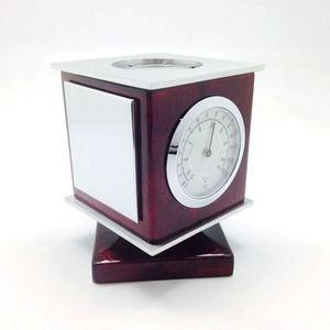 4-in-1 Revolving Gadget: 4in1 : Clock, Thermometer, Hygrometer and Compass