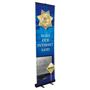 Small Retractable Stand w/ Banner