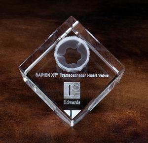 Jewel Cut Crystal Cube Award (2 3/8x2 3/8x2 3/8)