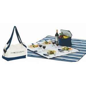 Acadia 4 Person Picnic Tote with fleece blanket