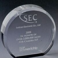 Small Optical Crystal Disk Plaque